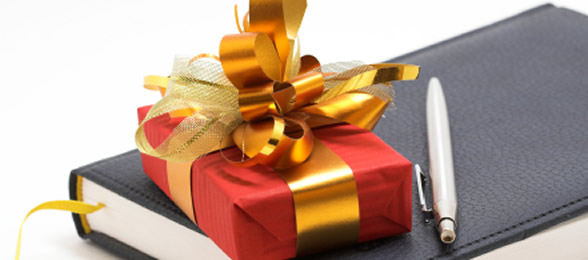 Christmas Business Gifts.To Buy Or Not To Buy Do You Buy Your Clients A Gift At